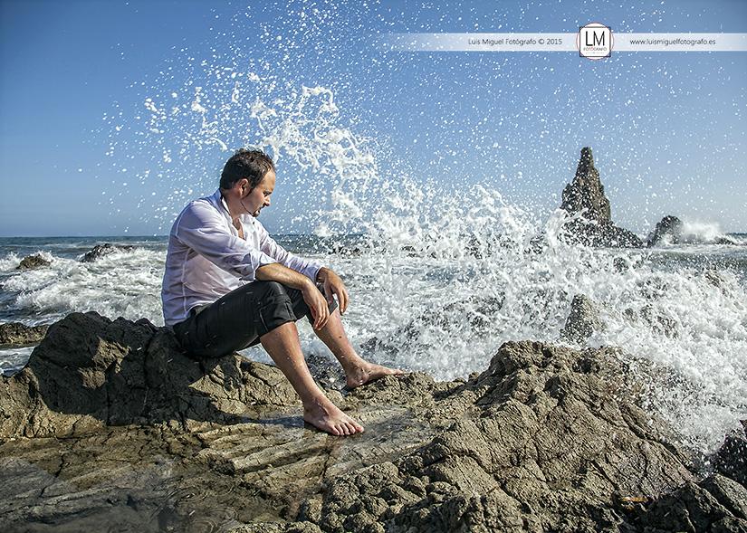 Fotógrafos Jódar fotografías de post-boda en la playa de almería