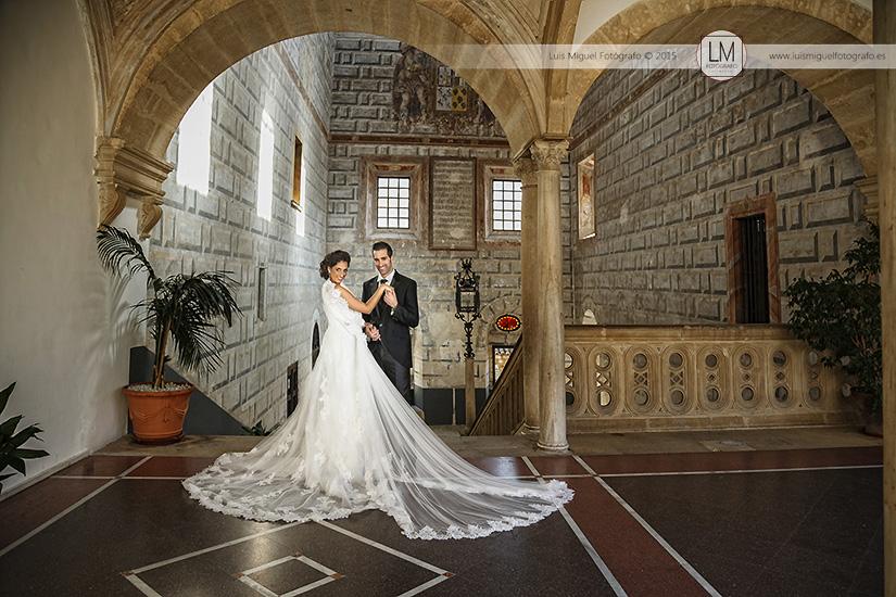 Fotos de novios atrevidas de fotógrafos en jaén. Fotos de boda en Úbeda.