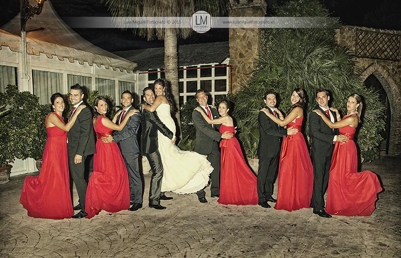 Fotos de novios atrevidas de fotógrafos en jaén. Fotos de boda en la Tortuga Azul.