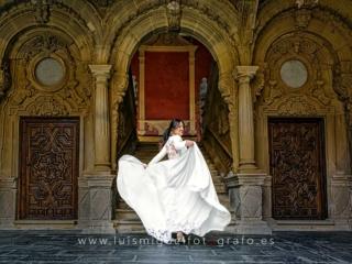 Foto de postboda original en palacio de Baeza