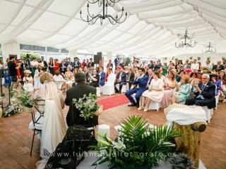 Panoramica de la ceremonia de boda en los llanos de la alameda