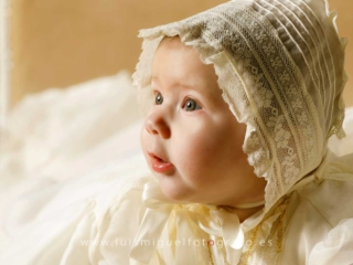 foto de bebe de bautizo con gorrito