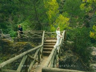 foto de postboda bonita en la montaña