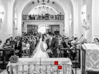 Fotógrafo de bodas en úbeda capta beso en el altar