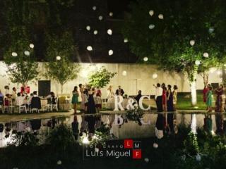 Globos de boda recordando a los ausentes en el Complejo Catering Benidorm